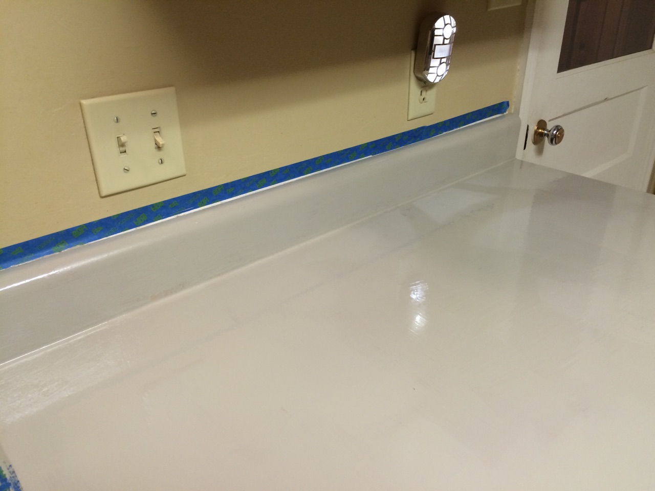 Rust-Oleum Countertop Coating can be tinted to 16 different colors. I ...